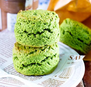 ขนมปังคุกกี้ชาเขียว