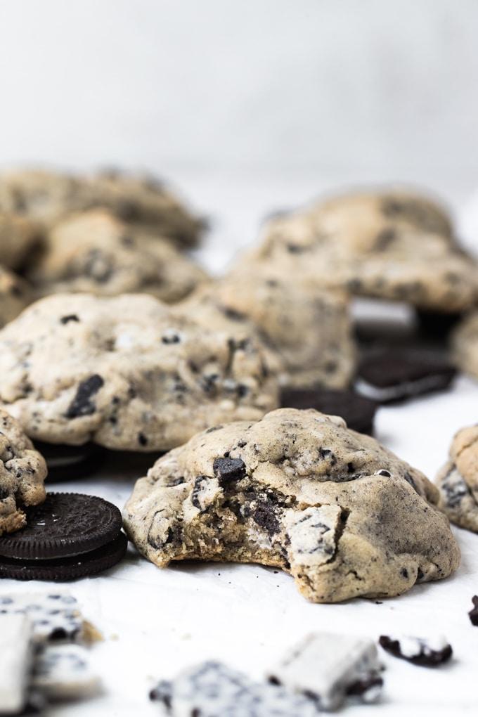 คุกกี้แอนด์ครีมคุกกี้ HERSHEY'S Cookies