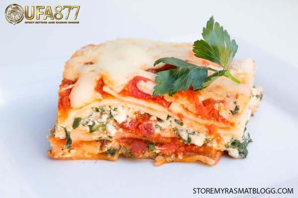 ลาซานญ่าผักโขม อาหารสไตล์อิตาเลียน