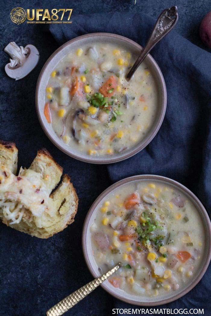 ซุปข้าวโพดและมันฝรั่งบด